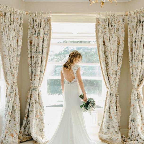 Tankardstown's luxurious Master Suite is the ideal location for a Bride to get ready on the morning of her Wedding. The sash bay windows allow lots of light into this beautiful space.